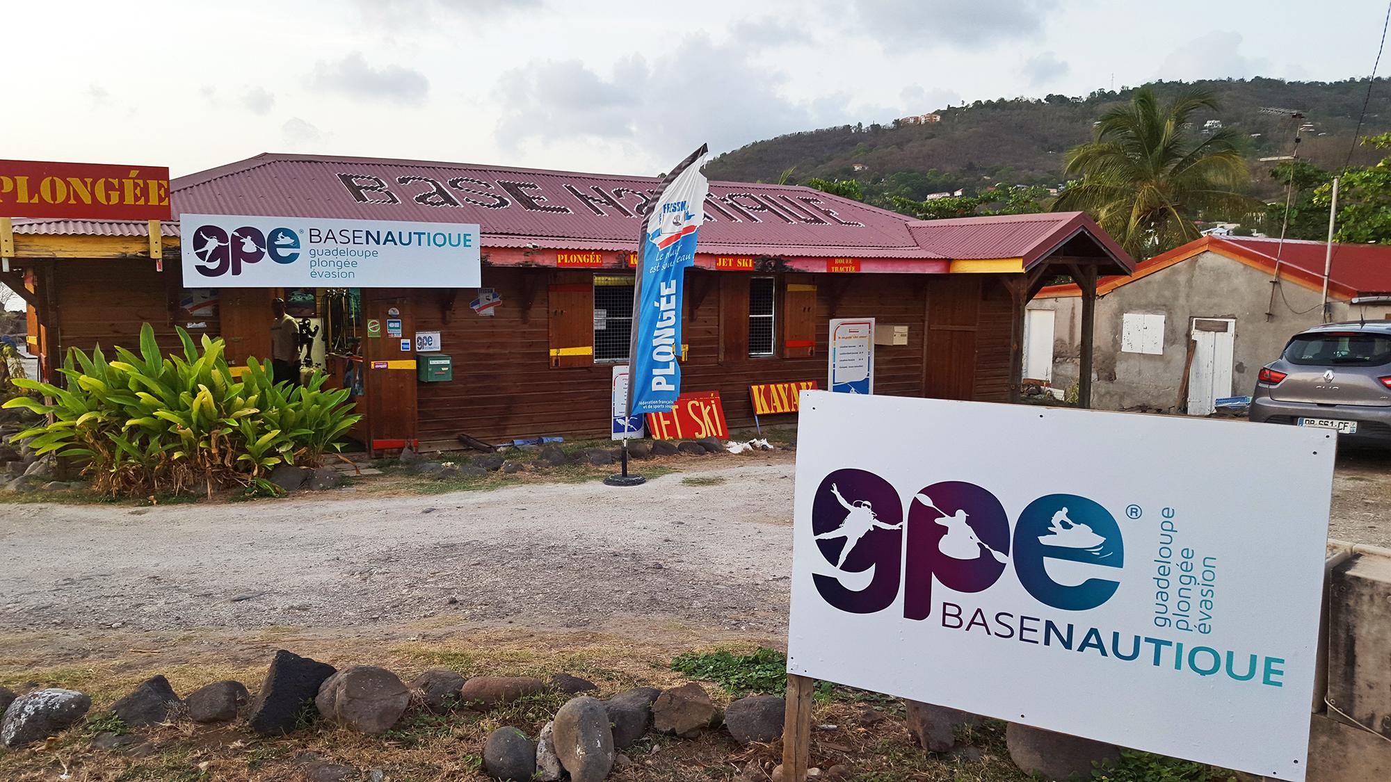 Base Nautique GPE Guadeloupe Plongée Évasion à Bouillante